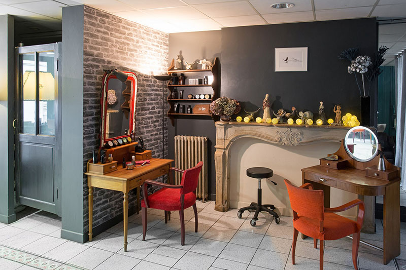 Coiffeur bourges 18 salon de coiffure le miroir for Salon de coiffure miroir